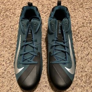 Nike Alpha Menace Size 15 Football Cleats